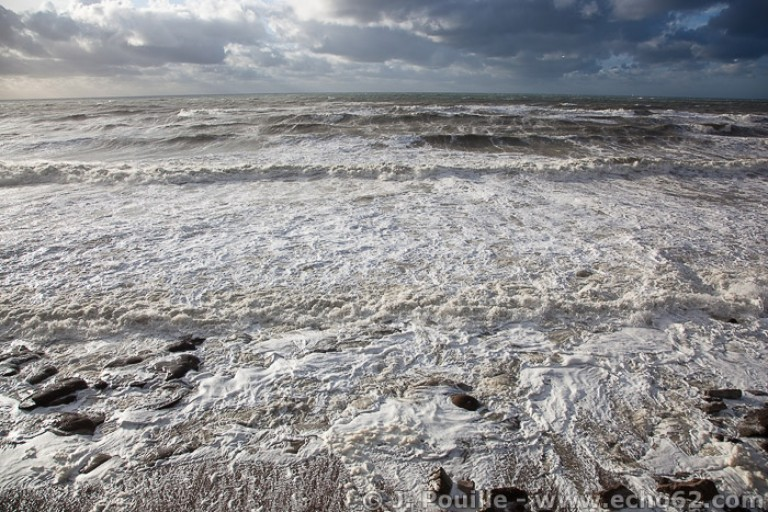 Tempête Joachim sur la côte d'Opale en décembre 2011-24