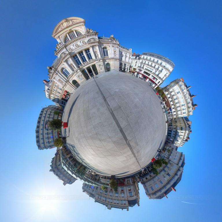 Petite planète de la place du ralliement d'Angers