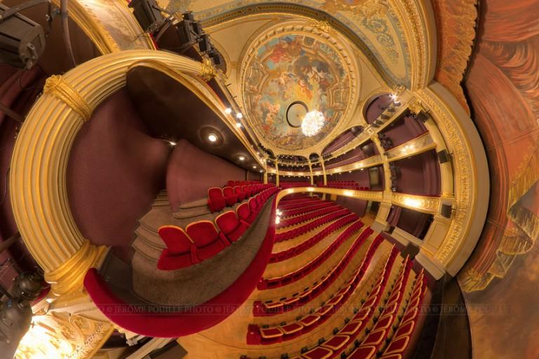 Panoramique de la grande salle du théâtre d'Angers