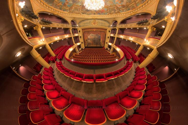 Petite planète de la sallle du théâtre d'Angers