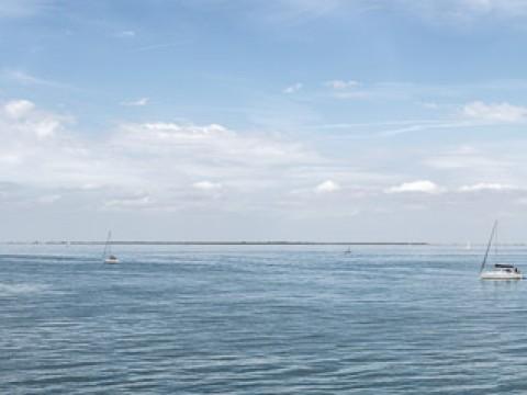 La mer du port de Saint-Martin-de-Ré