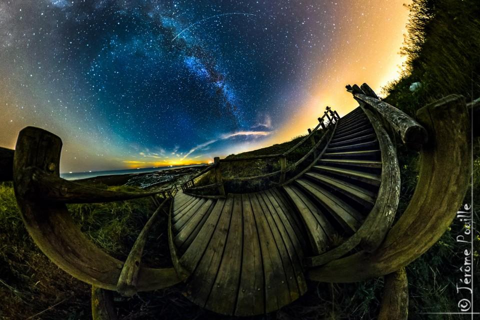 Variation sur un escalier sous les étoiles