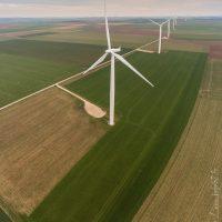 Champ d'éoliennes dans le Pas-de-Calais
