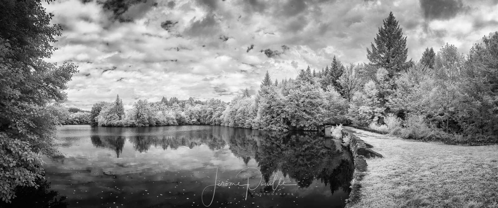 panoramique INFRARED de 5 photos, Canon 20D, Irix 15mm f/2.4 @ f/8