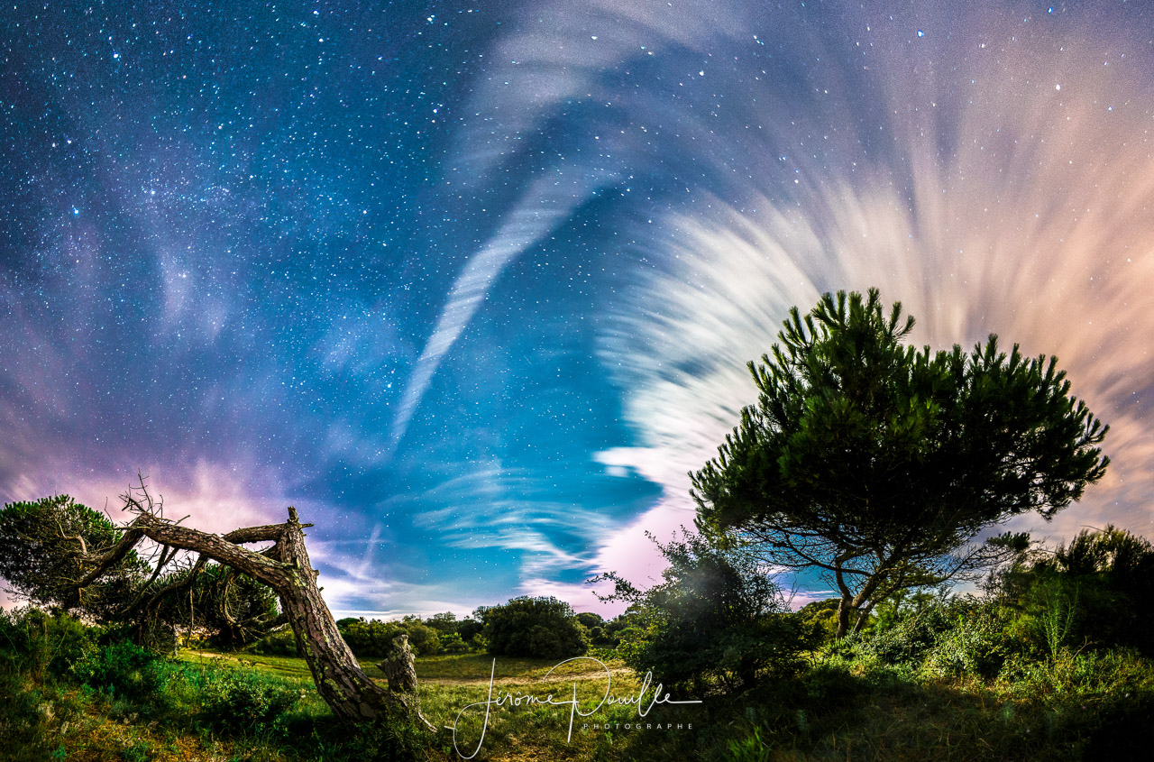 panoramique nocturne de 8 images éclairé uniquement au clair de lune