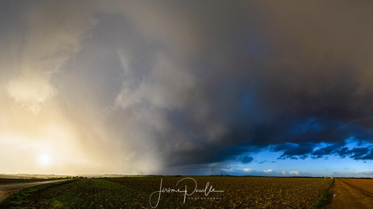 Ciel d'orage sur le Pas-de-Calais