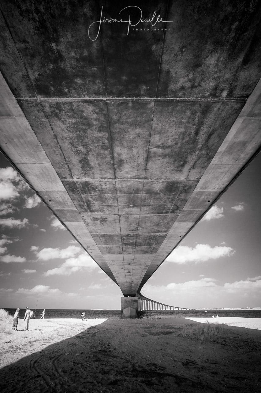 Sous le pont de L'Île-de-Ré INFRARED