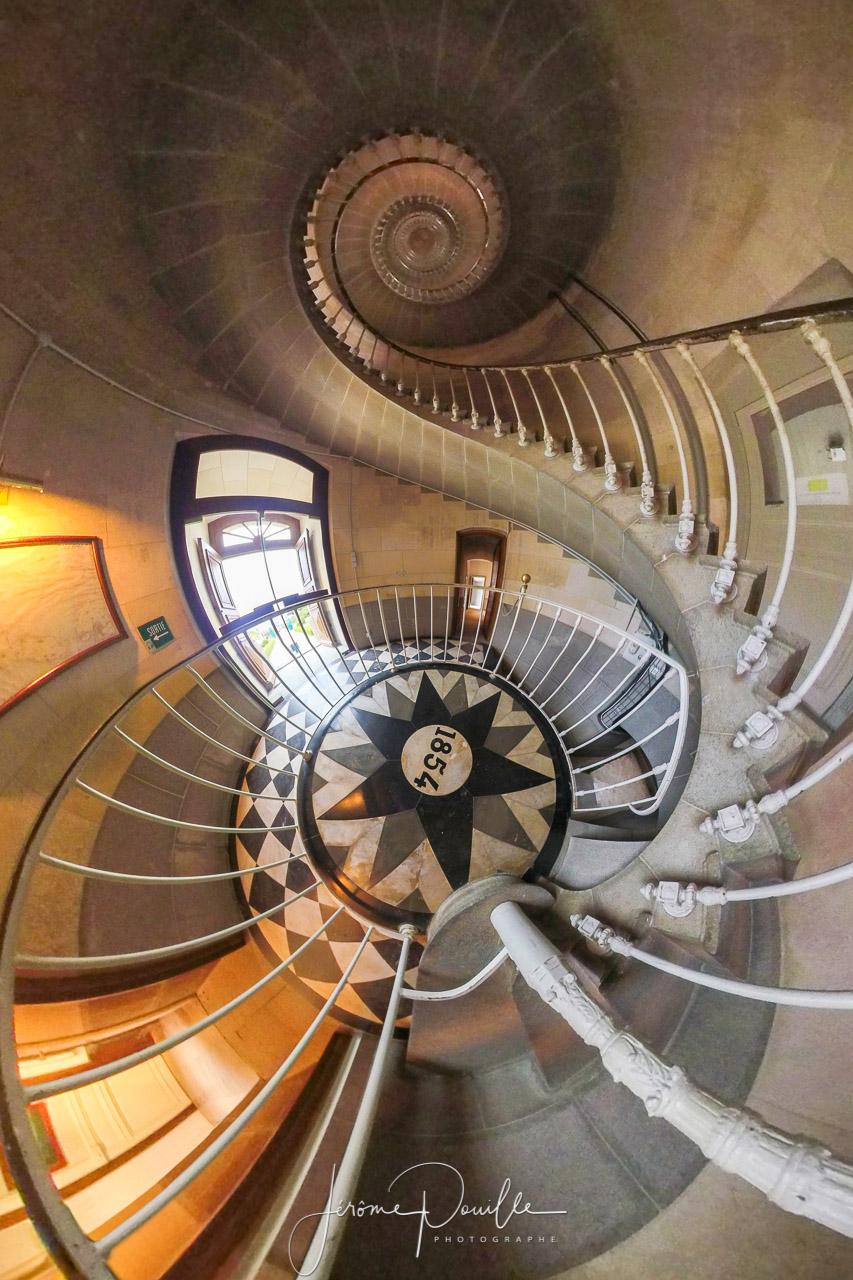 Escalier du phare des Baleines en vue 360 °